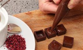 Join Intermediate Chocolate Making Event Workshop