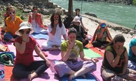 200 Hour Yoga Teacher Training in Rishikesh - HOYVS