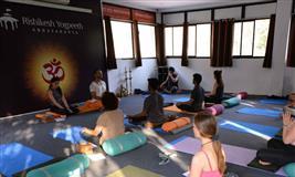 300 Hour Yoga Teacher Training in Rishikesh, India-2019